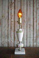 アンティーク フラワーデザイン 陶器製テーブルランプ